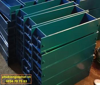 Khuôn đổ mẫu bê tông uốn 150x150x600